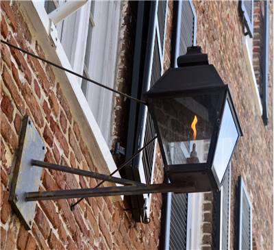 Lighting In Houses As Late 19th Century There Still Were No Ideas For Illumination Of Greater Areas Streets Public Places Factories Even Rooms In Houses Lighting S